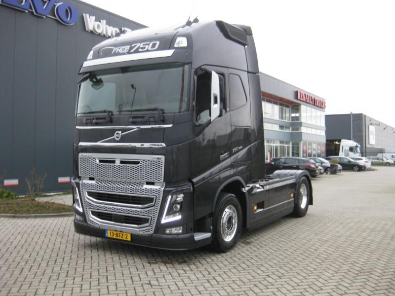 Volvo Fh16 750 Demo Truck Vetopoytaauto 1835212